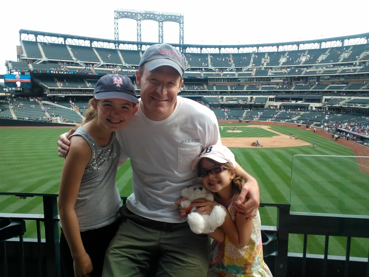 Matt_collins_with_daughters
