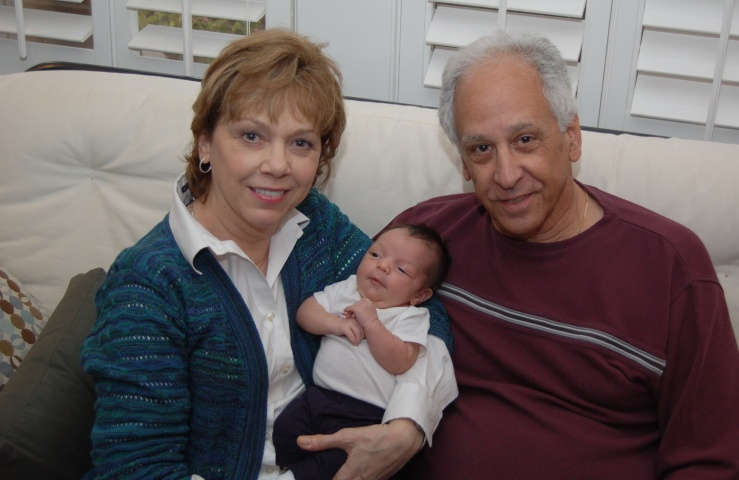 Richard_haddad_wife_and_grandchild_2013